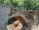 Cầu Trung Quốc xây xong 2 tiếng đã sập