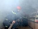 Giải cứu người già và trẻ nhỏ mắc kẹt trong hiệu thuốc bị cháy
