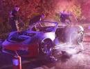 Xe Porsche cháy rụi vì tài xế hút thuốc khi chở bình xăng