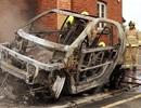 Xe chạy điện bốc cháy khi đang sạc