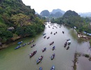 Non nước hữu tình ở chùa Hương ngày hội