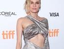 Mỹ nhân phim Troy quyến rũ với váy hở bạo