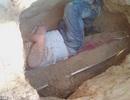 Chàng trai đào mộ và đốt xác người yêu vì bị... ám trong giấc ngủ