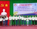 Trao học bổng Lương Định Của cho sinh viên nghèo hiếu học