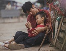 Bộ ảnh giàu tính nhân văn về tình cha con trong cái Tết nghèo