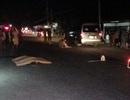 Đi bộ qua đường, bị xe khách tông tử vong tại chỗ