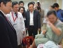 Thứ trưởng Bộ Y tế thăm các bé ra đời bằng thụ tinh ống nghiệm đầu tiên ở Nghệ An