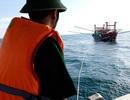 Cứu tàu cá và 9 ngư dân gặp nạn trên biển
