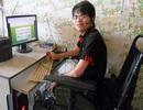 Nghị lực của chàng trai Việt ngồi xe lăn làm việc cho công ty Singapore