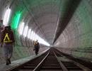 """""""Quái vật"""" 300 tấn khoan xong đoạn hầm đầu tiên tuyến metro TPHCM"""