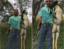 """Mỹ: Bắt được ếch """"quái vật"""" khổng lồ chưa từng thấy"""