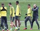 """Cười đùa với Guardiola, """"bom tấn"""" Man City ra mắt trước Tottenham?"""