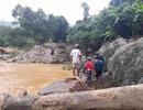 Thi thể nạn nhân sạt lở núi trôi từ Quảng Nam sang Quảng Ngãi