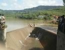 Phát hiện thi thể người đàn ông trên đập thủy điện