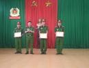 Khen thưởng 3 chiến sĩ cứu hai anh em đuối nước