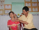 Nỗi day dứt của người vợ nghèo lặng lẽ lo hậu sự cho chồng con