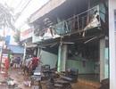 Cháy lớn giữa trưa, ba căn nhà bị thiêu rụi