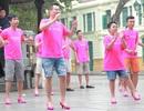 Hoàng Bách cùng con trai Tê Giác đi… giày cao gót nhảy flashmob