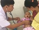 Bé gái đối mặt với cái chết vì biến chứng ho gà phải lọc máu
