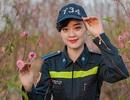 Nữ sinh Phòng cháy chữa cháy xinh đẹp giữa vườn đào Tết