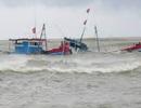 Cứu sống 4 ngư dân trên tàu cá có nguy cơ bị chìm