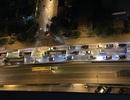 Hà Nội: Gần 23h, đường trên cao vẫn ùn tắc kéo dài