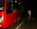 Bắt 3 học sinh rủ nhau ném đá xe khách