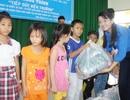 Trao hàng trăm suất quà cho các em học sinh khó khăn nhân dịp năm học mới
