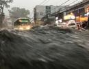 Mưa trái mùa cực lớn, kéo dài nhiều giờ chiều mùng 6 Tết ở Sài Gòn