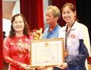 """Dương Thị Việt Anh nhận thưởng """"nóng"""" sau tấm HCV SEA Games 29"""