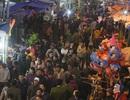 Biển người đổ về chợ Viềng trước giờ khai hội