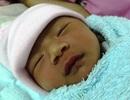 Bé gái sơ sinh bị mẹ và cha kiên quyết… không nuôi!