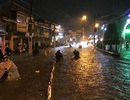 Đường sắt Nam Bắc tê liệt vì mưa cực lớn ở phía Đông Sài Gòn