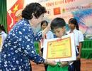 Bình Định: Trao 140 suất học bổng cho học sinh dân tộc thiểu số