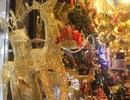 Thu chục triệu đồng/ngày nhờ bán đồ trang trí mùa Giáng sinh
