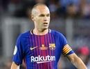 """Iniesta bất ngờ """"phản lại"""" tuyên bố của Chủ tịch Barcelona"""