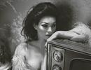 Siêu mẫu huyền thoại Kate Moss nhớ lại… nụ hôn đầu
