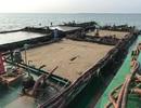 Bắt 5 xà lan khai thác cát trái phép trên biển Cần Giờ