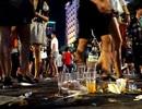 Phố đi bộ Nguyễn Huệ nhếch nhác vì... rác, hàng rong