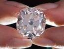 """Viên kim cương mua giá """"rẻ như cho"""" được đấu giá cao ngất ngưởng"""