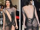 Choáng với váy lưới hở bạo của Kendall Jenner