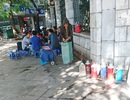Hàng quán nhếch nhác bủa vây khu di tích Gò Đống Đa