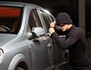 Bé trai 13 tuổi lấy cắp ô tô rồi chạy trốn cảnh sát tốc độ cao trên đường