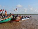 Chìm tàu đi lễ hội, 2 nữ sinh tử vong, hơn 10 người bị thương