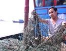 """Khẩn trương kiểm nghiệm chất bùn """"lạ"""" dính lưới ngư dân"""
