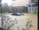 """Mưa nguồn vẫn rất lớn – lũ tiếp tục dâng cao """"bủa vây"""" Thừa Thiên Huế"""