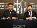 Messi chính thức ký hợp đồng siêu khủng với Barcelona