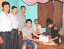 Trao hơn 100 triệu đồng tới em Nguyễn Kim Tú