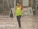 Đội bóng của Minh Phương chìm sâu giữa chiều mưa trên sân Thống Nhất