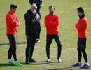 Mourinho lắc đầu ngao ngán với mặt sân của Rostov